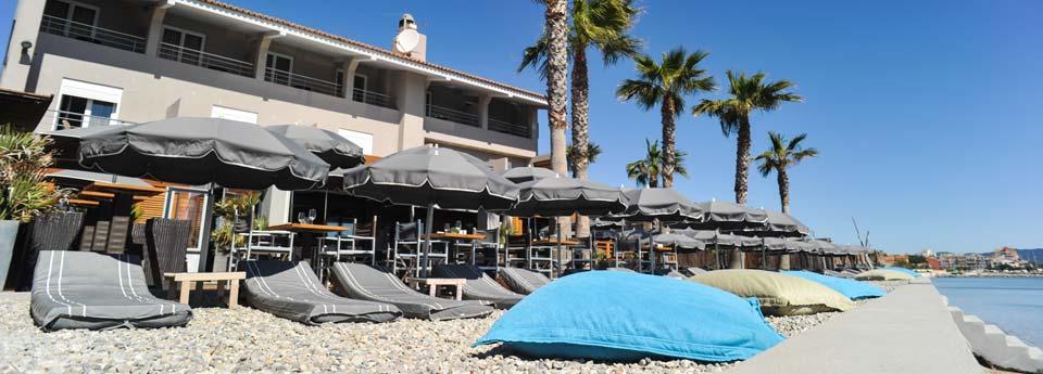 restaurant hy res plage 2 pas du port d 39 hy res dans le var 83. Black Bedroom Furniture Sets. Home Design Ideas